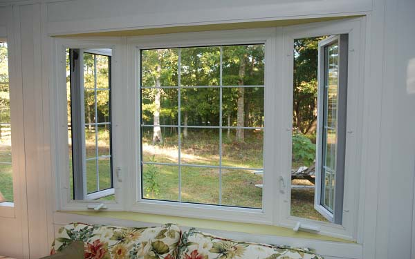 Residential Vinyl Casement Windows Image