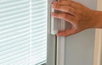 Vinyl Sliding Doors Easy Operation (blinds between glass)